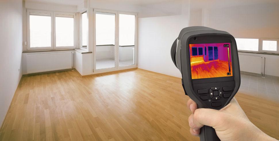Warmtedetectie om te bekijken waar warmte verloren wordt